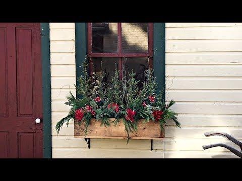 easy-christmas-window-boxes---red-magnolia-farmhouse-window-boxes