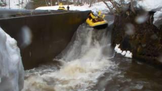 北海道ライオンアドベンチャー 激流ラフティング 2010 4 11 尻別川