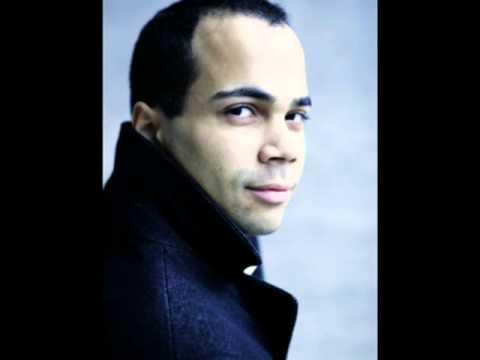 Schubert: Du bist die Ruh. Daniel Ochoa, Bariton