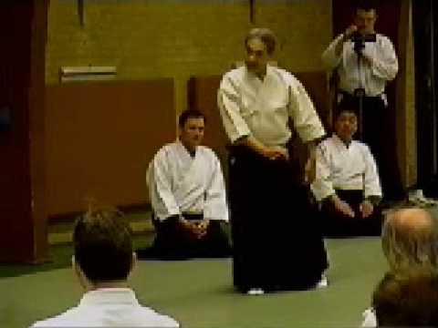 Shoji Nishio Aikido Toho Iai 04 Zengogiri Aihanmi Shihonage