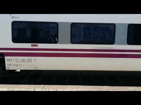 Un tren con destino a Madrid, parado en Taboadela por la muerte de un pasajero