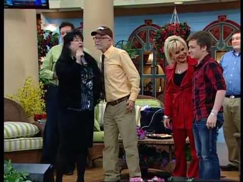 Tammy Sue Bakker sings again!