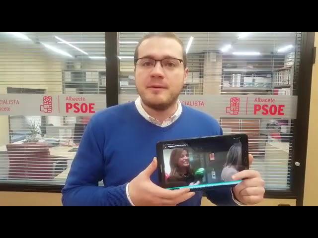 Reacción del edil Manuel Martínez al gesto de la diputada Carmen Navarro