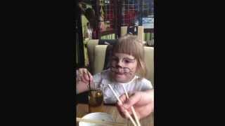 Как кушать суши;)