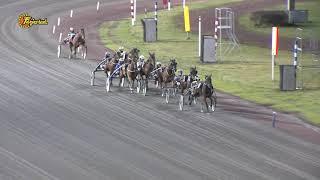 Vidéo de la course PMU PRIX SVENSK TRAVSPORTS UNGHASTSERIE - TREARINGSLOPP