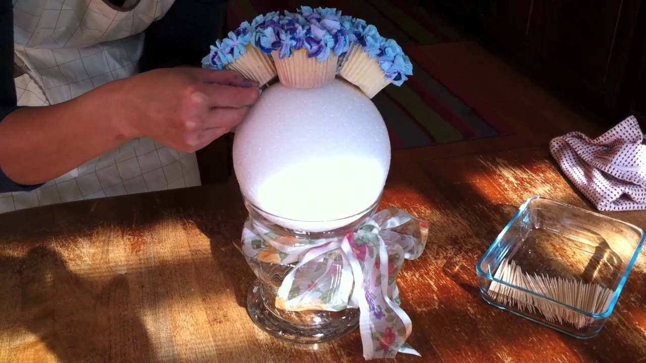 YouTube & Hydrangea Cupcake Bouquet