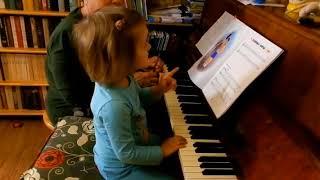 Лемешкина Марианна. 3 года. Читаем с листа (фрагмент урока)