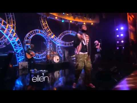 Travie McCoy Performs Rough Water Featuring Jason Mraz