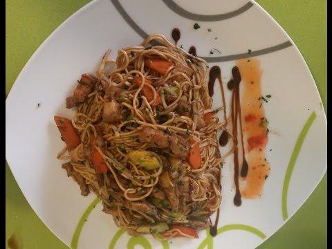 Receta oriental noodles o fideos chinos con setas shitake for Arroz con setas y trufa