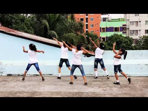 aaj ki party...  kids dance
