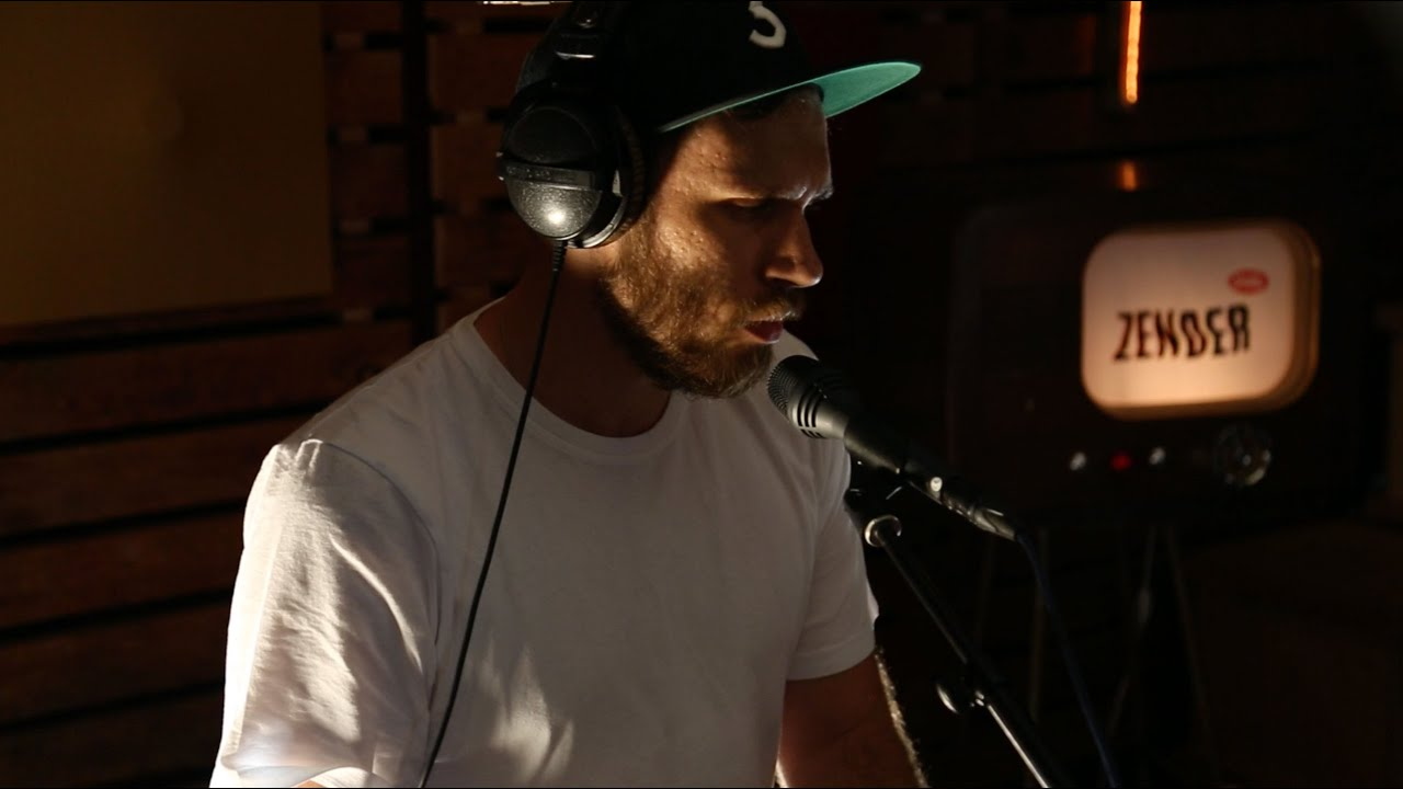 James Vincent McMorrow - Rising Water (live) - YouTube
