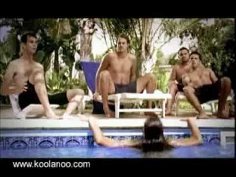 Kenh24.vn - Che ngực cho người đẹp tắm