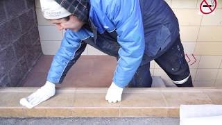 видео Противоскользящие уголки на ступени лестницы, резиновые пороги