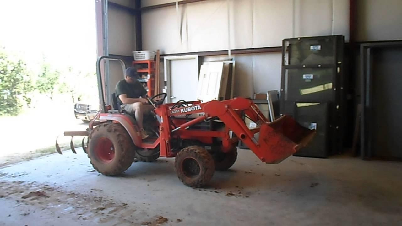 Kubota B Tractor With Loader