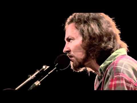 Eddie Vedder - Guaranteed (Water on the Road DVD)