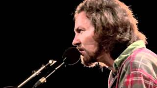 Eddie Vedder - Guaranteed (Water on the Road DVD)