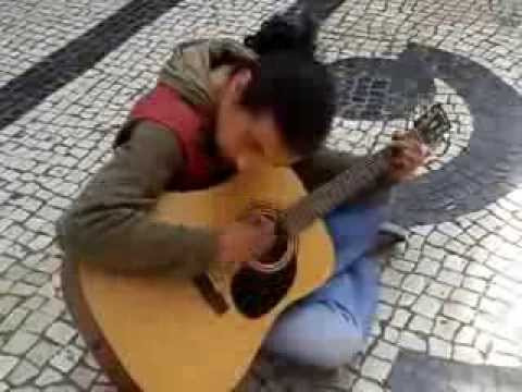 AMAZING SINGER! Lost talents in the streets of Porto