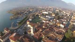 Pisogne - Lago D'Iseo, Vallecamonica Vista della Piazza, della chiesa e lungolago e della torre