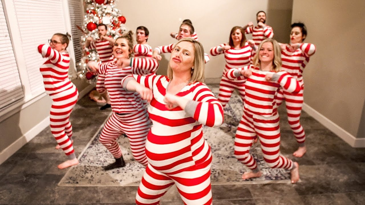 The Ultimate Christmas Pajama Dance 2018 (Kelly Clarkson