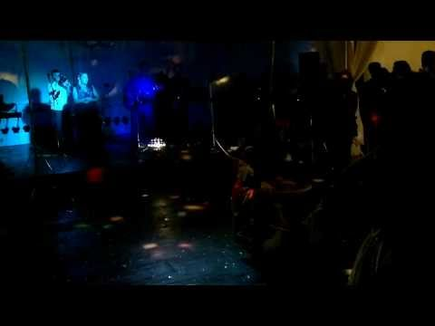 "Nadine Oliveira, performance ""Asa Branca"""