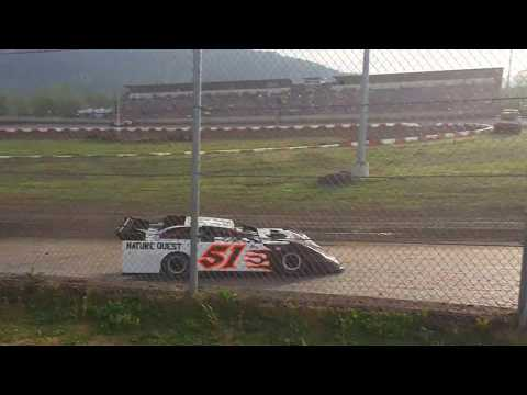 May 5, 2018, Late Model Heat Race Willamette Speedway #51 Todd Sieg