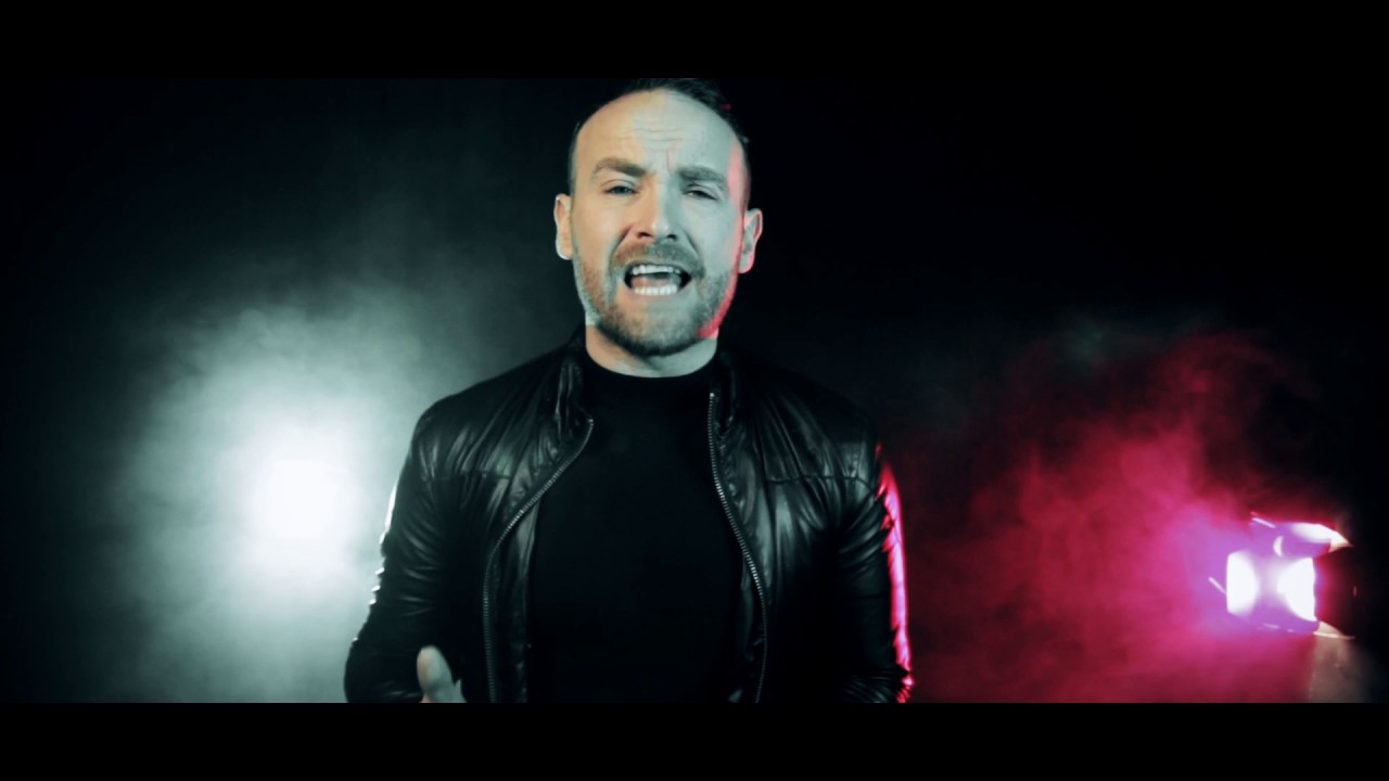 Kevin Simm | Chandelier (Cover) - YouTube