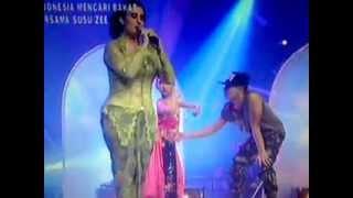 Sinden Amerika, Sandrina Imb Feat Joko Supriyanto