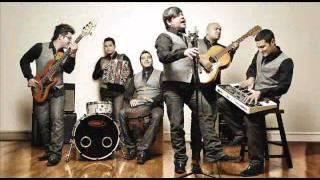 Play Ella Es Solo Mía (With Oscar Iván Treviño)