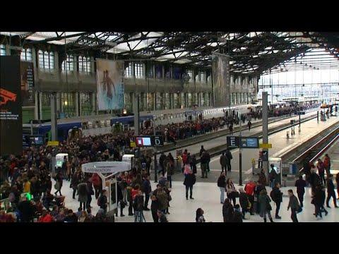 Grèves en France : le secteur du tourisme redoute des annulations de réservations