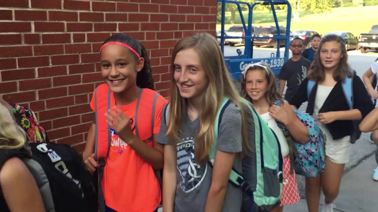 first day of middle school Starting middle school can be quite the nerve wracking activity for a child for most, it marks the first time that they are exposed to broad changes in their educational environment the curriculum.