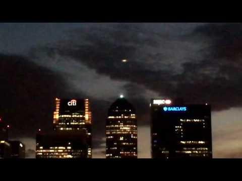 UFO over Canary Wharf (London)!