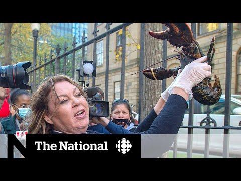 Mi'kmaq sell lobster outside N.S. legislature as tensions rise