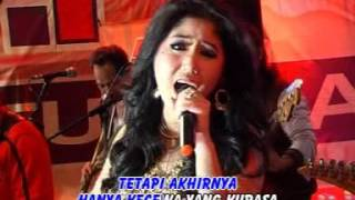 Gambar cover Ine Sinthya - Prasangka ( Official Music Video )