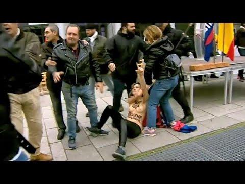 ناشطات عاريات الصدر تخربن مسيرة فاشية مؤيدة لفرانكو  - نشر قبل 44 دقيقة