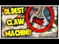 I WON ON THE OLDEST CLAW MACHINE EVER!!    Arcade Games