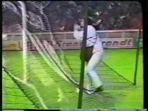 Video clip Hài hu-c trong bóng dá.flv