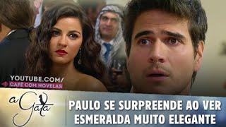 A Gata - Paulo se surpreende ao ver Esmeralda muito elegante