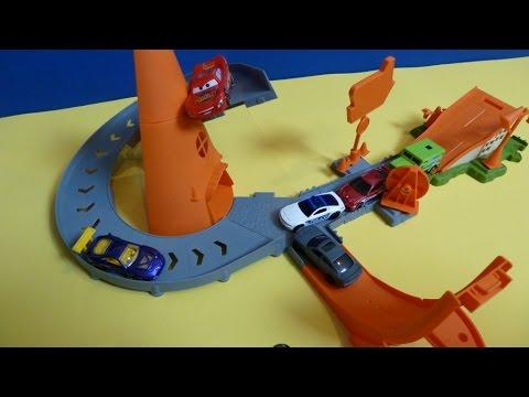 Đồ Chơi Xe Hơi Cho Bé - Trạm Xe Đua Đẹp ( Bí Đỏ) Disney Pixar cars Cozy Cone Rampway ดิสนีย์รถแข่ง