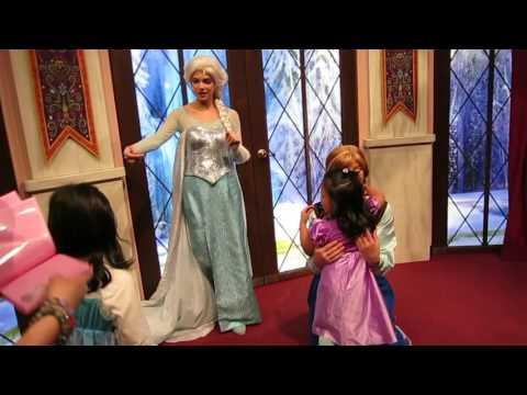 Frozen Anna & Elsa (Disneyland California)