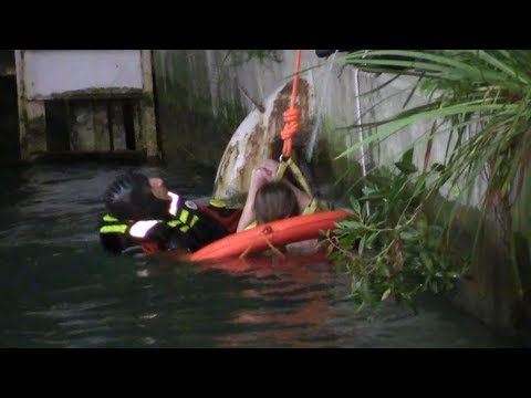 Woman rescued from Chicago River