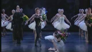 Swan Lake Act IV - Finale