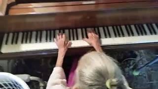 Chopin Waltz played by 92-year-old, Dorothy Spafard Hull