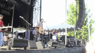 Watch Chad Brownlee Lay Down The Tailgate video