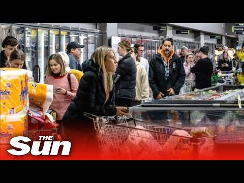 Panic buying breaks out in Auckland as NZ re-enters lockdown