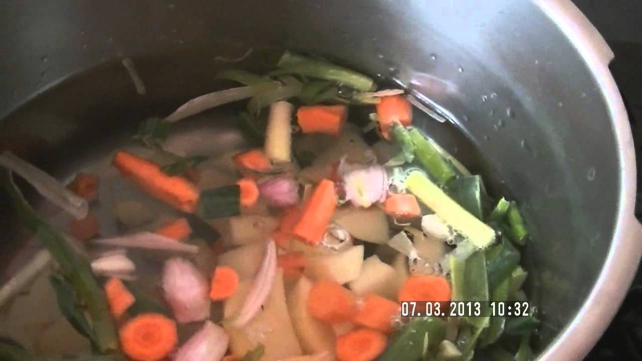 Comment Faire Une Soupe De Legumes Maison Youtube