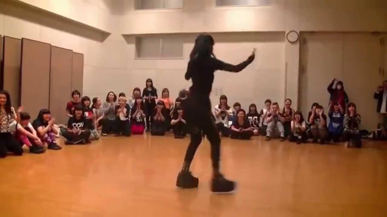 WAACKING Japanese Dance - YouTube