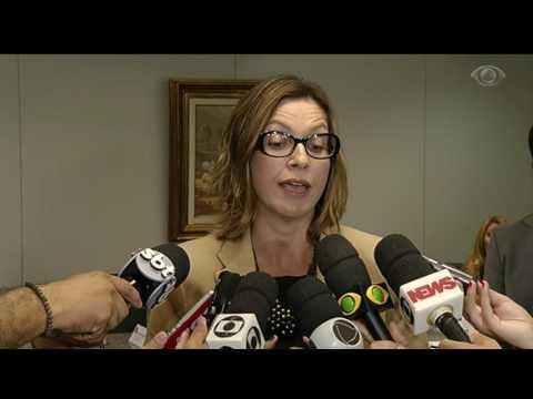 PMs flagrados executando suspeitos são presos no RJ