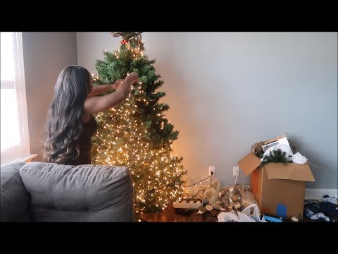 DECORATE WITH ME! THE TREE IS UP + HOW TO PRELIT CHRISTMAS TREE (VLOGMAS DAY 4)