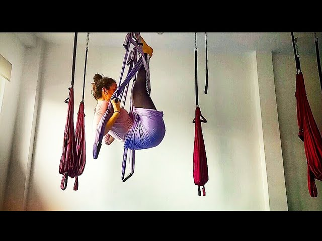 Yoga en Suspensión: extensión lumbar y trabajo abdominal 💪