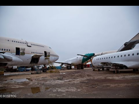 Exploring Whats Left Of An Abandoned Boeing 767 Cockpit Section - Aviation Boneyard Disused Plane